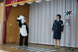 交通安全教室に…パンダのパンちゃんが遊びに来てくれました(^^)