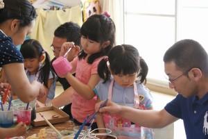 お家の人と紙粘土。一緒に物を作るって、やっぱり楽しい!