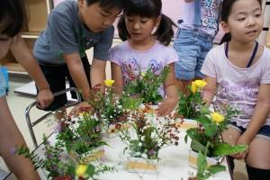 男の子も女の子も作りました(^^)自然と鑑賞しあってます♪