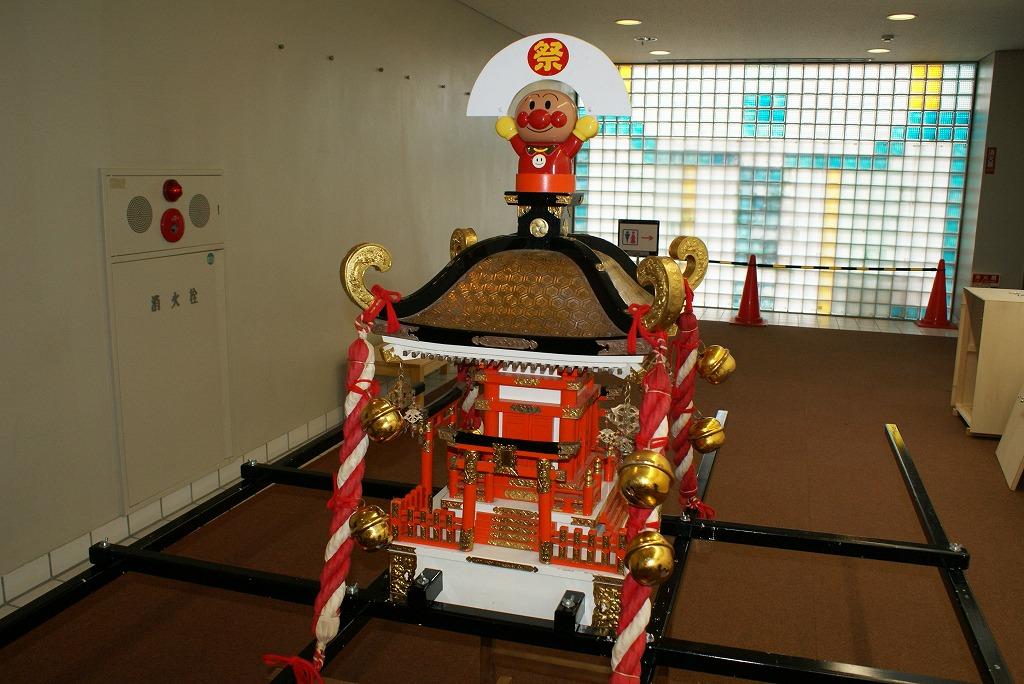 今年も無事に、石井さんとおみこしが到着!