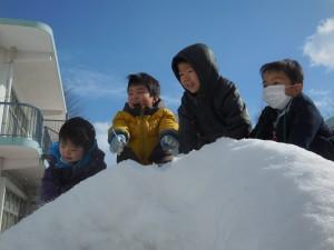 前よりもーっと大きな雪山だ~!