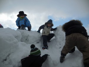 体全体を使って雪山登山!「登れたよ~!」