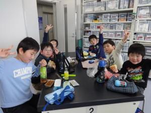 お弁当中。元気な男子チーム(^^)