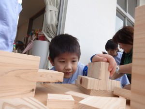 どんな木工を作ろうかなぁ…とじっくり思案中