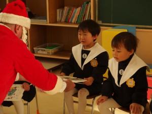 クリスマス会ではサンタさんも来てくれたね♪