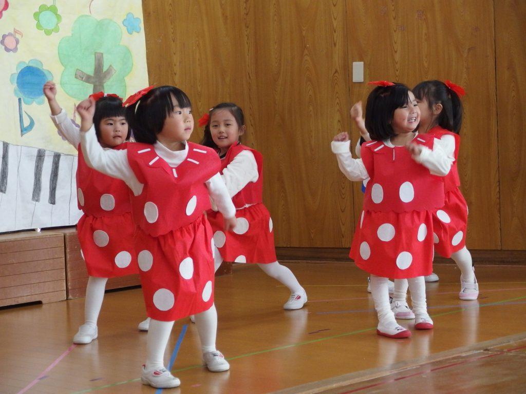 可愛くダンス♪元気に出来たね(^^)